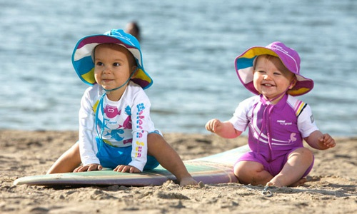 zpravy  : predskolaci 2 Cestujeme s dětmi k moři – pozor na sluníčko